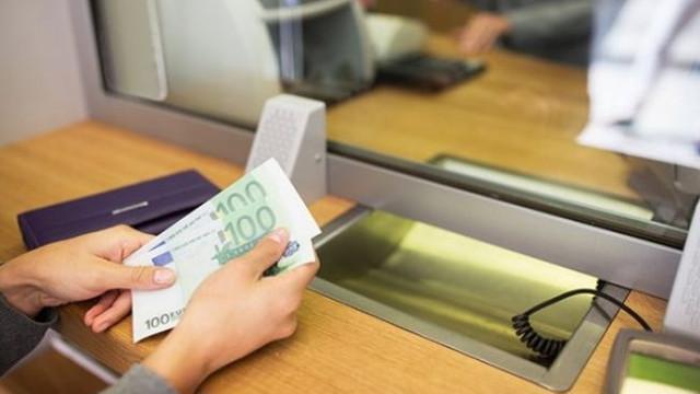Transferurile bancare au crescut. Din cauza carantinei, moldovenii au adus în țară mai muți bani pe căi oficiale