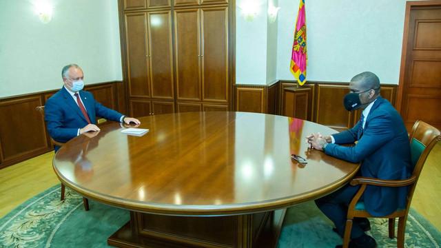 Ce a omis Președinția de la întâlnirea lui Dereck J. Hogan cu Igor Dodon. Ambasada SUA vine cu detalii