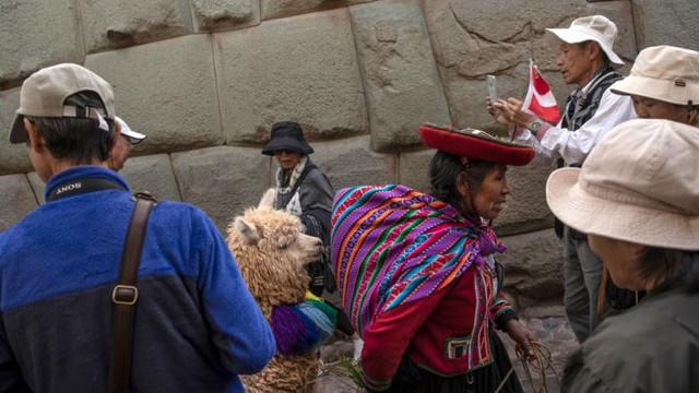 Peste 900 de femei, dintre care 70% minore, au dispărut în Peru în timpul lunilor de izolare