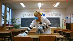 Școlile și grădinițele urmează să fie redeschise de la 1 septembrie