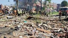 Explozie puternică într-un oraș din SUA. Mai multe case au fost distruse, iar o femeie a murit