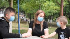 Tragic | Și-au petrecut rudele decedate din cauza COVID-19 pe internet, deoarece erau internați în spital, fiind infectați cu noul coronavirus (FOTO)