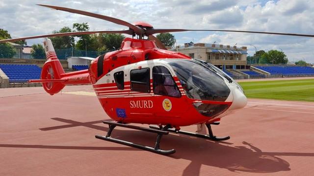 GALERIE FOTO | O nouă intervenție aeriană SMURD din România în R.Moldova. Un bărbat a avut nevoie urgent de îngrijiri medicale