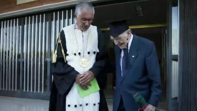 VIDEO | Șef de promoție la 96 de ani - italianul care a devenit cel mai bătrân absolvent de facultate din țara lui