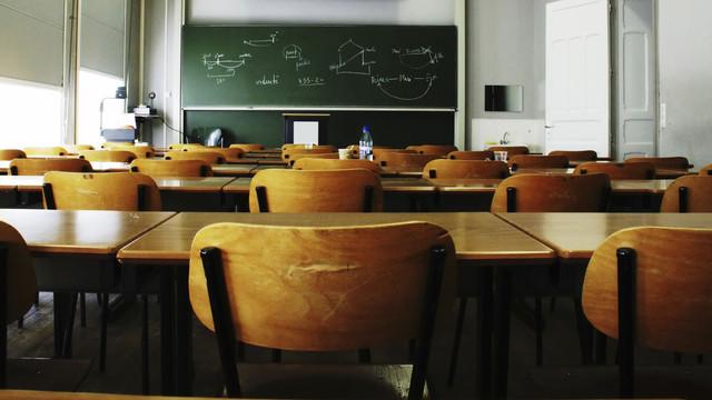 La mai puțin de o lună până la începerea unui nou an școlar, în instituțiile de învățământ din țară nu ajung 261 de specialiști