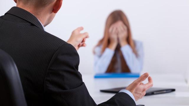 România: Salariații hărțuiți moral vor putea cere despăgubiri angajatorului