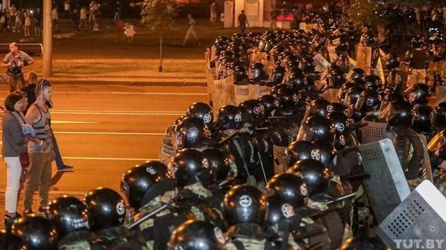 Pe fundalul protestelor de la Minsk, Igor Dodon îl felicită pe Lukașenko pentru victoria la prezidențiale