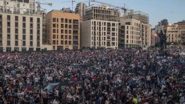 CNN: Guvernul libanez ar urma să demisioneze luni, după protestele violente din ultimele zile