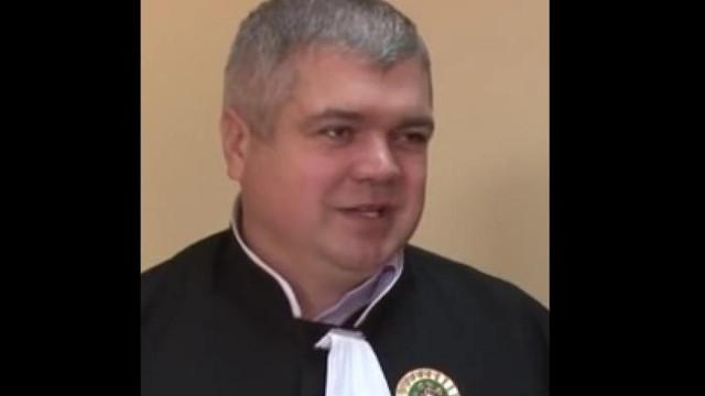 Un judecător respins de patru ori de doi președinți vrea să acceadă într-o funcție administrativă  (anticoruptie.md)