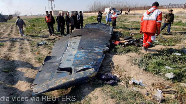Avionul ucrainean doborât în Iran a fost lovit de două rachete la interval de 25 de secunde (raport)
