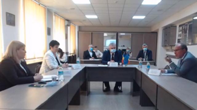 Întrebarea Ambasadorului României la Chișinău: Pe 31 august ce vom sărbători? În România avem Ziua Limbii Române, iar în R. Moldova - Ziua Limbii Noastre. Limba noastră care uneori se numește limbă de stat