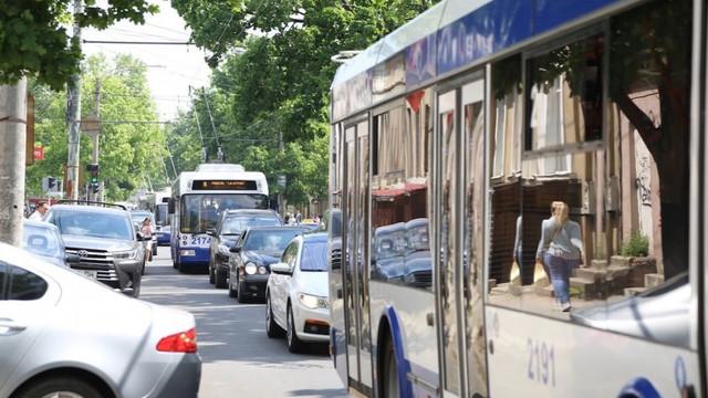 În Chișinău va fi lansat un program special de circulație a troleibuzelor și autobuzelor de rută pentru copii