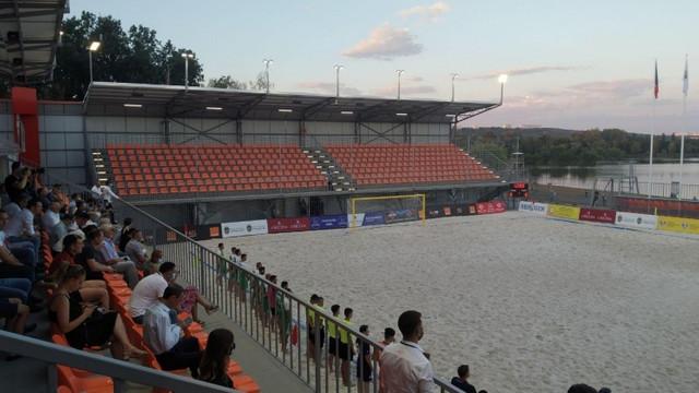 """FOTO   Stadionul pentru fotbal de plajă din Parcul """"La Izvor"""" a fost inaugurat"""