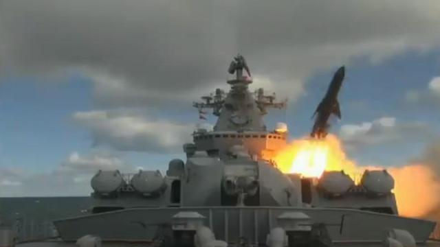 Rușii testează rachete în zona arctică, aproape de Alaska. Armata americană a anunțat că urmărește cu atenție situația