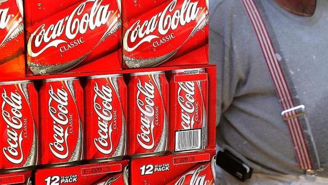 Coca Cola anunță restructurări. Cel puțin 4.000 de angajați vor rămâne fără loc de muncă