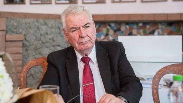 Academicianul Mihai Cimpoi a editat la Iași o carte despre Grigore Vieru