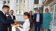 Campanie electorală în blocurile sanitare din școli - reacții în presa de la Chișinău (Revista presei)