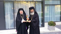 Episcopul de Bălți a dus în dar la Oradea o candelă pentru unitatea neamului românesc