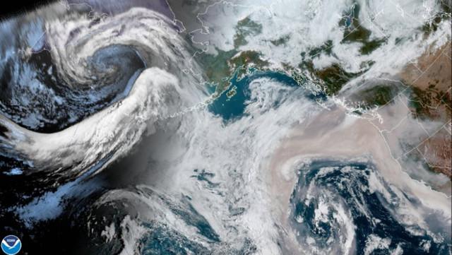 Cum se văd din spațiu incendiile catastrofale din SUA? Un fum gros a acoperit Coasta de Vest