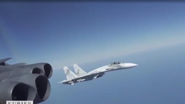 Pentagonul a publicat un video cu avioane rusești care survolează Marea Neagră pentru a flanca aeronavele americane
