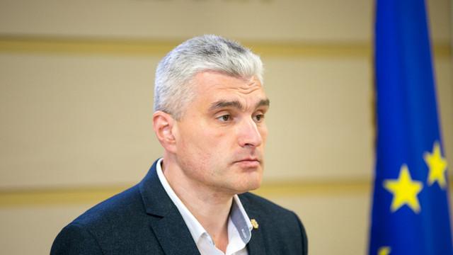 Alexandru Slusari: Dodon a bătut palma cu Șor în vederea creării unei majorității neoficiale în Parlament și păstrării acestui guvern