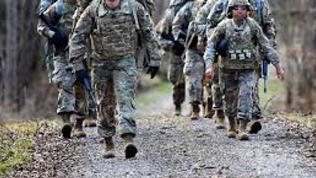 SUA își reduc efectivele militare din Irak de la 5200 la 3000 de soldați