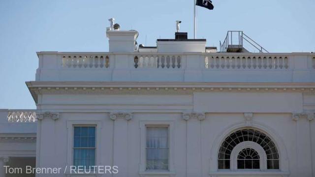 Casa Albă provoacă indignare prin coborârea unui drapel în memoria militarilor dispăruți