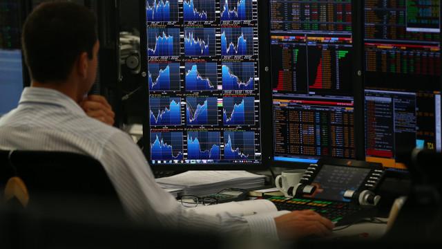 """Deranj pe bursele americane. Ce este """"efectul de balenă"""", fenomenul în urma căruia Musk a pierdut o avere"""