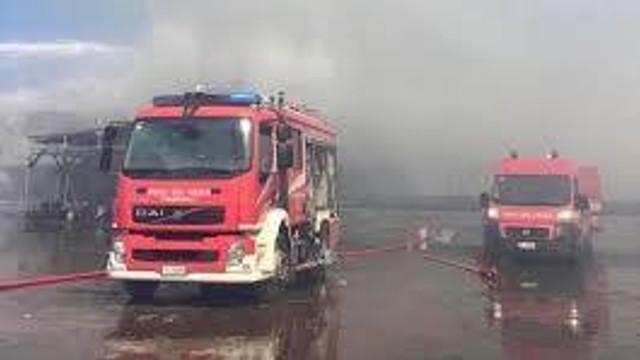 VIDEO | Explozii și un incendiu de proporții în portul italian Ancona. Școlile și parcurile au fost închise