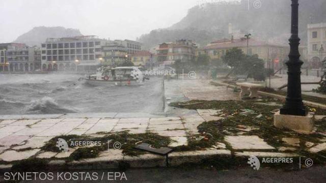 Doi morți în urma ''uraganului mediteranean'' care a lovit vestul și centrul Greciei