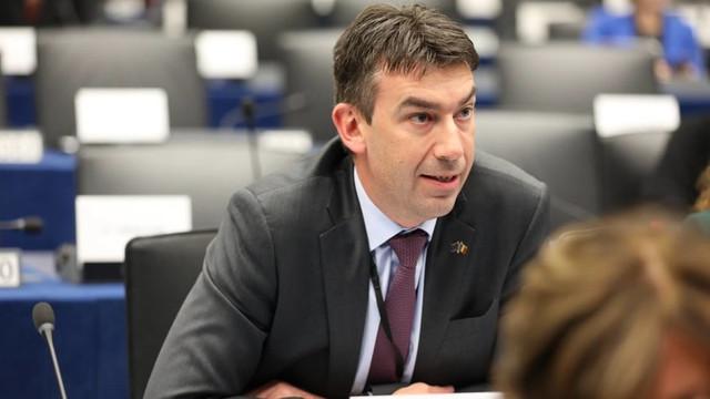 """Europarlamentarul Dragoș Tudorache: Parlamentul European va """"veghea cu atenție"""" desfășurarea campaniei electorale și a zilei votului în R.Moldova"""