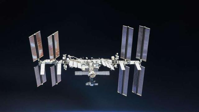 Stația Spațială Internațională a efectuat o manevră pentru a evita coliziunea cu un deșeu orbital