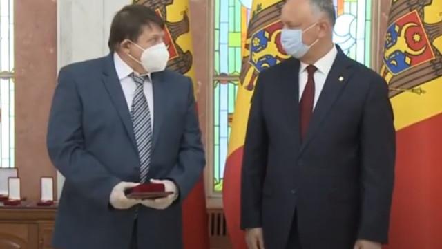 """Mihail Aizin, zis """"Kitaeț"""", decorat recent de Igor Dodon cu ordinul """"Gloria Muncii"""", se află în stare gravă cu COVID-19"""