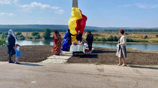 Un monument din timpul României Mari, în memoria ostașilor căzuți în Primul Război Mondial, restabilit pe malul Nistrului. Constantin Codreanu: România a revenit din trecut în prezent pentru a dăinui în viitor