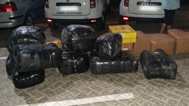 VIDEO Operațiune Vama-SIS-PCCOCS   Schemă de contrabandă cu mărfuri de peste un milion de lei prin regiunea transnistreană, deconspirată
