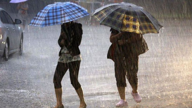 Ploile puternice de astăzi au inundat mai multe străzi din Chișinău