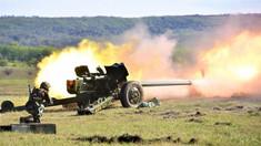 GALERIE FOTO | Militarii au efectuat un exercițiu tactic cu trageri de luptă