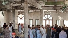Pakistan: Cel puțin șapte persoane au decedat într-o explozie cu bombă la o școală islamică din Peshawar