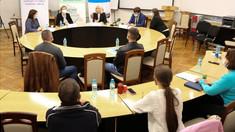 Mai multe companii dezvoltate de migranți vor primi granturi pentru afaceri