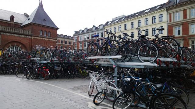 """Criza care a învățat Danemarca să devină o țară verde: """"Dintr-odată, nu mai mergea nicio mașină, pentru că nu mai aveam benzină"""""""
