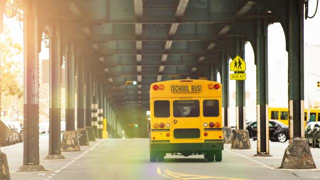Școlile din New York se închid în cartierele unde se înregistrează multe cazuri de COVID-19