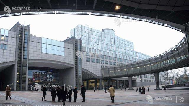 Parlamentul European dorește un mecanism legal constrângător și eficient de protejare a valorilor europene