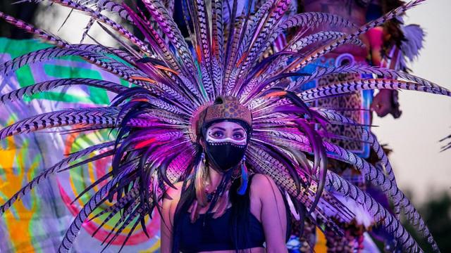 Mexicul nu renunță la celebrarea tradițională a Zilei Morților în anul în care a pierdut 83.000 de oameni în urma pandemiei