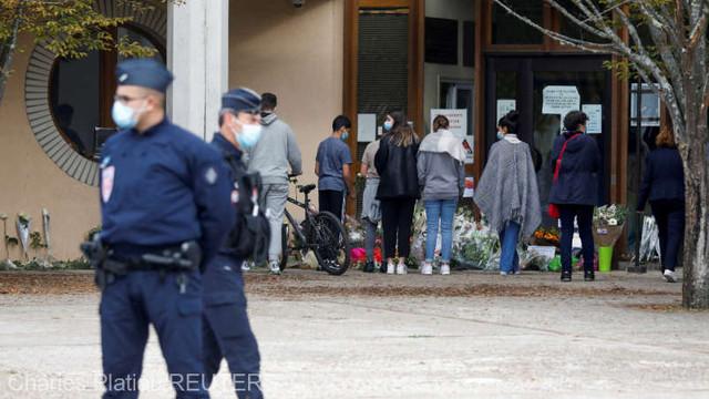 Franța: Asasinul profesorului decapitat era un refugiat