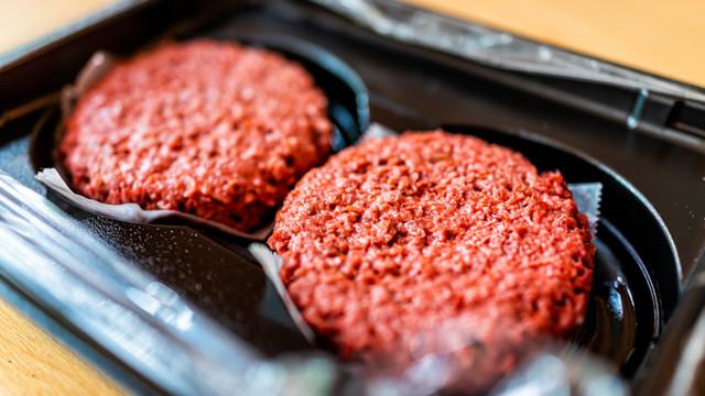 Parlamentul European va decide dacă produsele din plante se pot numi după cele din carne