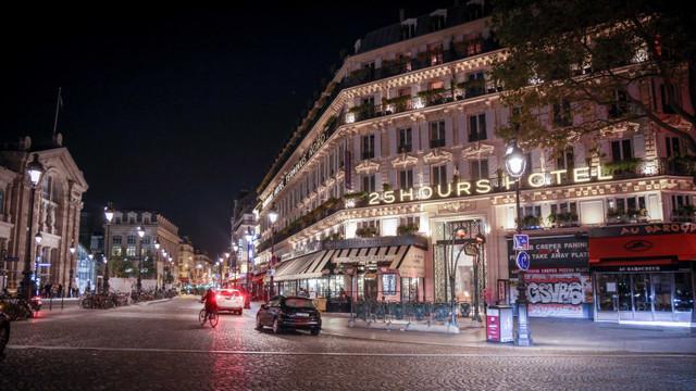 Cum arată Parisul, după prima noapte de la intrarea în vigoare a noilor restricții impuse de COVID-19