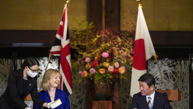 Marea Britanie a semnat cu Japonia primul mare acord comercial post-Brexit