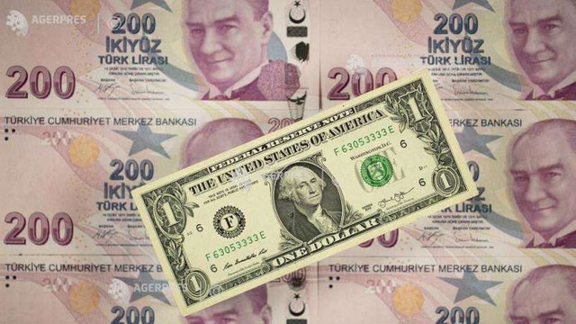 Lira turcească s-a depreciat la un nivel record față de dolar, din cauza tensinilor geopolitice