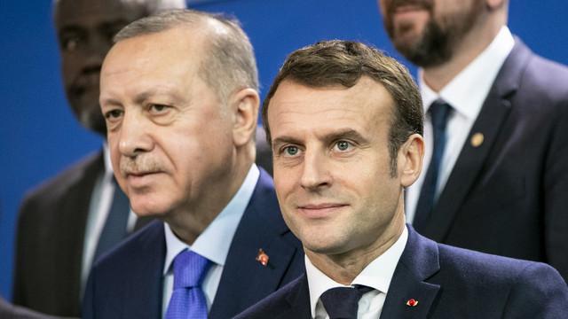 Tensiuni Turcia - Franța. Erdogan le cere turcilor să boicoteze produsele franțuzești