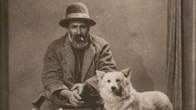 Fotografie cu Brâncuși și câinele său - vândută la 14.000 de euro